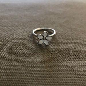 Pandora Darling Daisy Ring